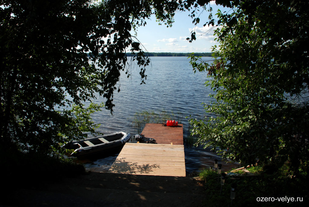Озеро Вельё - выход на пирс